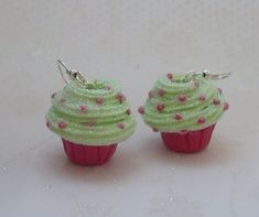 032_glitter_cupcake_earrings_by_porgecreations