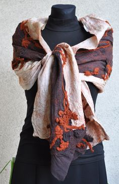 .GORGEOUS SCARF! COLOURS AND TEXTURES
