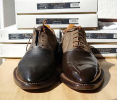 Left shoe with oiled leather - right shoe polished with BOOT BLACk Shoe Polish