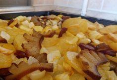 Betyárkrumpli az ősöktől Potato Recipes, Snack Recipes, Snacks, Eat Pray Love, Cake Cookies, Bacon, Goodies, Chips, Food And Drink