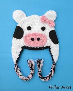 Beanie Hat Crochet croche Cow animal - Touca Gorro crochê vaca vaquinha - by Philae Artes Mais Crochet Kids Hats, Crochet Cap, Crochet Shoes, Crochet Beanie, Crochet Clothes, Foto Baby, Halloween Crochet, Arm Knitting, Crochet Accessories