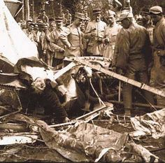 French soldiers inspect the crash of a German plane at Verdun, 1916