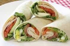 Wrap Recipes to mix up lunch a bit! Healthy Snacks, Healthy Eating, Healthy Recipes, Healthy Wraps, Delicious Recipes, Comidas Light, Good Food, Yummy Food, Yummy Lunch