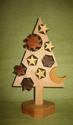 ホワイトクリスマス  モミの木に、星、月、太陽、雪を、はめ込んで飾ってください。  凸凹をつけて、はめ込むと、より立体的になり、おもしろいです。 はめ込み式のクリスマスツリーです。      ☆ 詳細は ↓   http://www.nanayoukoubou.jp/クリスマスツリーー