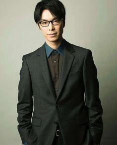 いろんな長谷川博己が見たい Japanese Men, Mens Glasses, Asian Men, Real People, Mens Suits, How To Look Better, Suit Jacket, Actresses, Mens Fashion