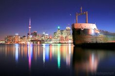 Night lights on the water. Toronto Skyline, New York Skyline, Toronto Ontario Canada, City Lights, Night Lights, Visit Canada, Night Life, Travel Inspiration, Cool Photos