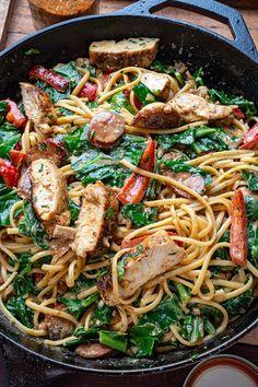 Cajun Chicken Alfredo Best Pasta Recipes, Cajun Recipes, Easy Dinner Recipes, Chicken Recipes, Healthy Recipes, Healthy Foods, Chicken Noodle Casserole, Alfredo Recipe, Chicken Alfredo