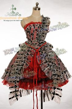 "really love this!!! It's the ""um"" dress from Tim Burton's Alice in Wonderland"