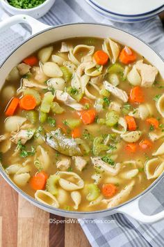 Turkey soup is a super quick and easy dinner. Use your leftover turkey and have dinner ready in under half an hour! Turkey soup is a super quick and easy dinner. Use your leftover turkey and have dinner ready in under half an hour! Slow Cooker Turkey Soup, Turkey Soup From Carcass, Leftover Turkey Soup, Turkey Stew, Turkey Noodle Soup, Turkey Leftovers, Turkey Dishes, Homemade Turkey Soup, Soup Recipes