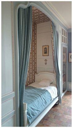 Alcove Bed, Bed Nook, Home Bedroom, Bedroom Decor, Bedroom Nook, Design Bedroom, Sleeping Nook, Box Bed, Dream Rooms
