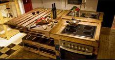 #Ecosostenibilità degli arredi: Una #cucina interamente riciclata dai pallets. Un'idea eccezionale.