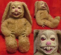 Demonic toy bunny.......I know a few kids I would love to gift this to