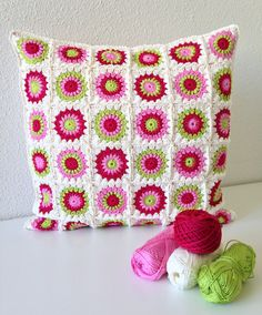 crocheted sunburst granny square cushion/pillow cover by maRRoseCCC on Etsy https://www.etsy.com/au/listing/186501699/crocheted-sunburst-granny-square