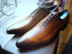 Aquarelle patina... certain leather types support it... here on Loding onz-cut…