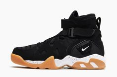 A Black Upper And Gum Bottoms Makes Up This Women's Nike Air Unlimited
