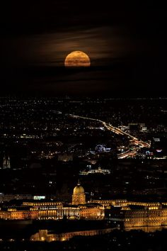 A half of full moon in Budapest (foreground the Buda Castle) - Budapest, Hungary travel Share and Enjoy! Beautiful World, Beautiful Places, Capital Of Hungary, Budapest Travel, Budapest Nightlife, Buda Castle, Belle Villa, Nightlife Travel, Full Moon