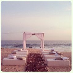 Thinking of having a small intimate wedding at the beach? Consider cushions or foam benches to chair seating for a more comfortable and cozy feeling.