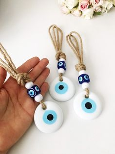 Macrame wall hanging, evil eye wall hanging, white evil eye bead, evil eye wall … – Home Decoration – Grandcrafter – DIY Christmas Ideas ♥ Homes Decoration Ideas Hamsa, Evil Eye Art, Greek Evil Eye, Home Decor Near Me, Evil Eye Bracelet, Clay Projects, Macrame Projects, Blue Beads, Decoration