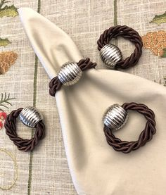 Christmas Napkin Rings, Tablescapes, Decor Styles, Table Settings, Table Decorations, Diy, Crafts, Ideas, Harvest Table Decorations