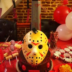 Ky'lees Friday the Jason Cake. 13 Birthday Cake, 13th Birthday Parties, Birthday For Him, 11th Birthday, Birthday Ideas, Jason Viernes 13, Horror Party, Jason Voorhees, Movie Nights