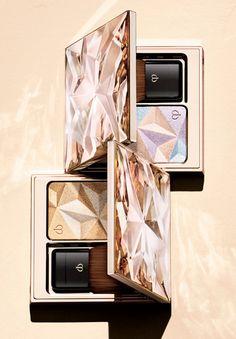 Clé de Peau Beauté Luminizing Face Enhancer - choose between the golden one or the pearlescent one as a highlighter