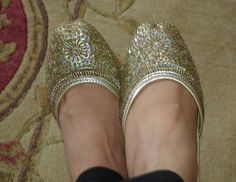mojris with golden embroidery from chandani chowk bazaar @LIMEROAD COM