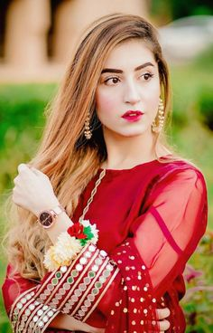 Asian Wedding Dress Pakistani, Beautiful Pakistani Dresses, Pakistani Fashion Party Wear, Pakistani Formal Dresses, Indian Fashion Dresses, Pakistani Dress Design, Indian Designer Outfits, Fancy Dress Design, Stylish Dress Designs