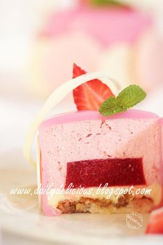 dailydelicious: Chaleur: Strawberry and white chocolate mousse entremets: My tim., Desserts, dailydelicious: Chaleur: Strawberry and white chocolate mousse entremets: My time to play! Unique Desserts, Fancy Desserts, Just Desserts, Gourmet Desserts, Plated Desserts, Mini Mousse, Strawberry Mousse Cake, Baking Recipes, Cake Recipes