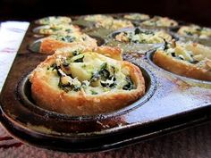 Florentine Rolls with spinach, garlic, onions, Feta, and pine nuts rolled inside pizza crust. I Love Food, Good Food, Yummy Food, Tasty, Quiche, Do It Yourself Food, Spinach And Feta, Spinach Rolls, Baby Spinach