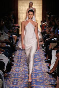 Runway: Dolce & Gabbana Fall 2012 Taylor Hill Watch da FROW a Runway-ellemag Fashion 2020, Look Fashion, Runway Fashion, Spring Fashion, High Fashion, Fashion Show, Fashion Trends, Clueless Fashion, Dubai Fashion
