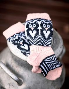 Cool Socks, Awesome Socks, Knitting Socks, Knit Socks, Cornish Rex, Gloves, Barn, Diy, Fashion