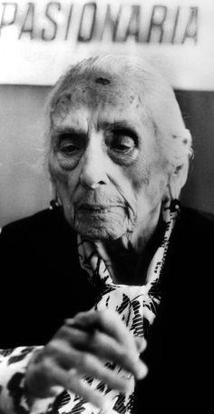 La Passionaria Dolores Ibarruri (1895-1989) heroine de la Guerre civile d' Espagne et heroine du livre Pour Qui Sonne le Glas d'Ernest Hemingway ici le 18 juillet 1986 ©Rue des Archives/AGIP