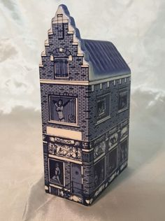 """Vintage Delft Blue Brothel """"Red Light Always"""" 9 Canal Building """"Wellust"""" (own collection)"""