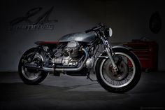 Guzzi by 21 grammes motorcycles - Discover on http://21grammesmotorcycles.com/2015/04/06/moto-guzzi-1-lindemodable/