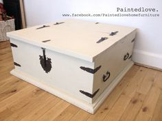 Large storage chest/trunk/coffee table painted in Annie Sloan chalk paint with clear wax. Mix of Old ochre and Old white. www.facebook.com/Paintedlovehomefurniture