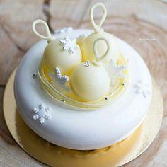 Holiday Cakes, Christmas Desserts, Beautiful Cakes, Amazing Cakes, Elegante Desserts, Sparkle Cake, Christmas Cake Designs, Cupcake Cakes, Cupcakes