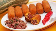 O Bolinho de Abóbora com Carne Seca é delicioso, fácil de fazer e todo mundo vai adorar. Experimente! Veja Também:Bolinho de Mandioca com Mussarela Veja T