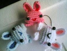 Cute Rabbit keychain patterns Crochet Keychain, Amigurumi Doll, Key Rings, Key Chain, Stitches, Rabbit, Crochet Patterns, Diy Crafts, Dolls