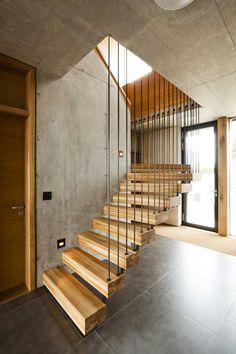 Vila Slivenec - minimalistické schodisko