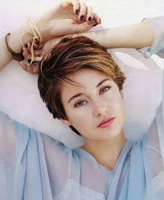 Shailene Woodley Hairstyles Collection 2015 : Shailene Woodley Short Brown Haircut 2015