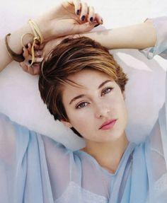 Shailene Woodley Hairstyles Collection 2015 : Shailene Woodley Short Brown Haircut 2015