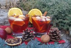 Vianočný punč - My site Moscow Mule Mugs, Rum, Smoothies, Alcoholic Drinks, Coffee Maker, Food And Drink, Cheese, Homemade, Cooking