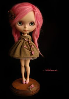The latest, gorgeous as usual, creation from one of my favourite customisers.  @melacacia.doll