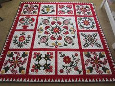 Hand quilted Christmas quilt. Just fabulous! Pinned from http://celebratehandquilting.blogspot.com/2013/12/christmas-journey.html
