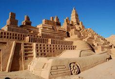 Sand sculptures, Cadillac