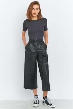 Light Before Dark - Jupe-culotte en cuir noire
