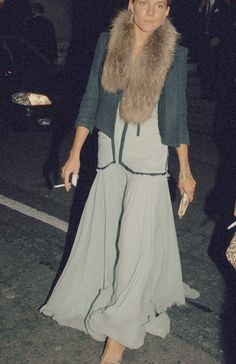 Is that sienna Miller wearing fur?! I've always loved her style. Now - not so much!