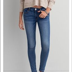 Medium wash American eagle jeans! Medium wash American eagle jeans, I worn them like twice & I just found a pair I like better! condition is great! Jeggings!!! American Eagle Outfitters Pants