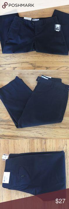 NWT Gap Favorite Khaki Capri Never worn navy capris GAP Pants Capris