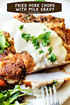 Smothered Pork Chops Recipe, Pork Chops And Gravy, Fried Pork Chops, Pork Sausage Recipes, Pork Roast Recipes, Skillet Recipes, Pork Shoulder Roast, Milk Gravy, Bean Recipes